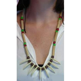 Collier indien avec dents
